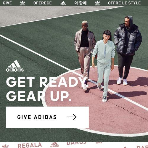 rilis sepatu sneakers terbaru - Rilis Terbaru